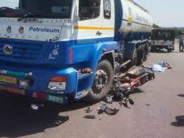 तेज रफ्तार टैंकर ने 15 गाड़ियों को मारी टक्कर, दो की मौत