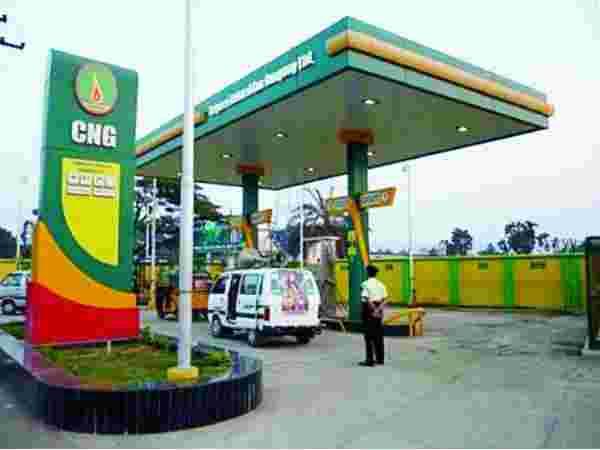 पेट्रोल-डीजल के बाद CNG-PNG के भी बढ़े दाम, 10 दिन में दूसरी बार बढ़ी कीमत