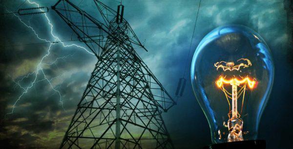 उत्तर प्रदेश में गहराता जा रहा बिजली संकट, किसानों की बढ़ी मुसीबत