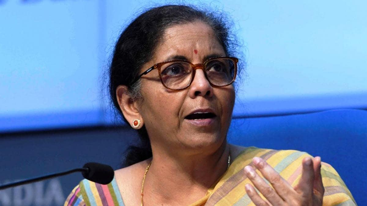 कोयला संकट की बात को वित्त मंत्री ने बताया निराधार, कहा- बिजली में सरप्लस देश भारत